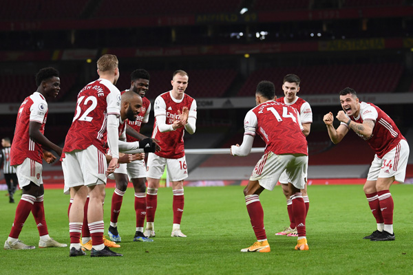 5 Duel Terakhir Arsenal vs Manchester United - The Gunners Ungguli Setan Merah